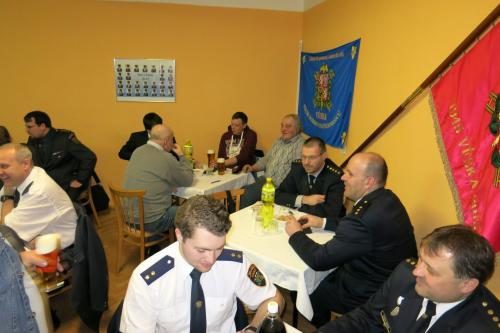 Okrsková schůze ve Vésce
